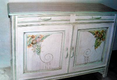 relooking meubles artisan d art meuble peint cr ation d 39 entreprise en relooking meubles. Black Bedroom Furniture Sets. Home Design Ideas