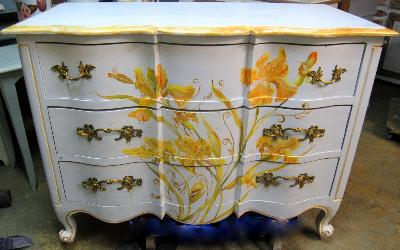 Mobilier peint relooking gard peintre d corateur for Poignees meubles cuisine originales